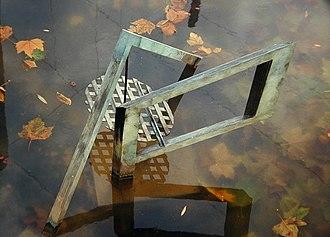Sculptures Bachelard - Image: Reflet sans anamorphose