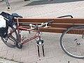 Reparant bicicleta a Xirivella.jpg