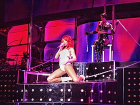 Rihanna, LOUD Tour, Oakland 1.jpg