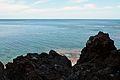 Roques i la mar, cova Tallada.JPG