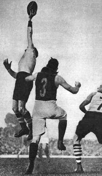 Roy Cazaly - Cazaly taking a one-handed mark