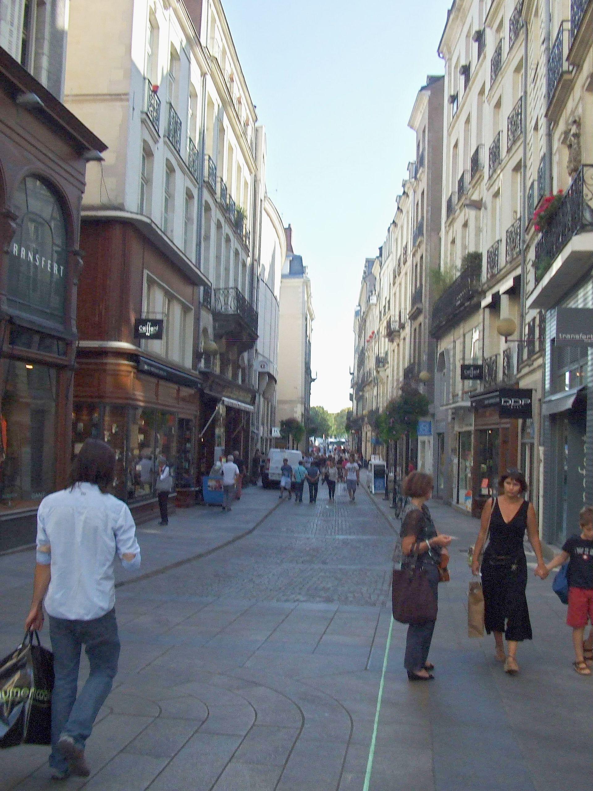 Rue de la fosse wikip dia - Comptoir des lustres nantes ...