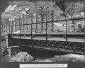 SBB Historic - F 115 00004 040 - Durchlass Gornerenbach bei Gurtnellen, Schutzwand aus Bahnschienen und Schwellen.tiff