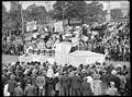 SLNSW 24245 Sydney University Commem Commemoration Day procession through streets.jpg