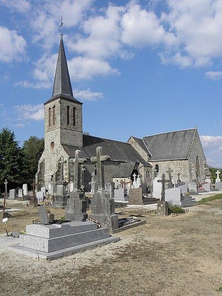 Façade occidentale et flanc sud de l'église de Saint-Berthevin-la-Tannière (53).