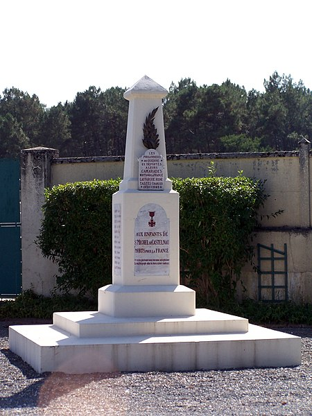 War memorial of Saint-Michel-de-Castelnau (Gironde, France)