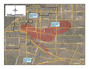 Salt Lake Oil Field - Detail of the Salt Lake and South Salt Lake Oil Fields, showing their position within Los Angeles and surrounding cities, and also showing the locations of the active drilling islands.
