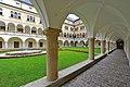 Sankt Veit an der Glan Tanzenberg Arkadenhof des Schlosses 22062012 366.jpg