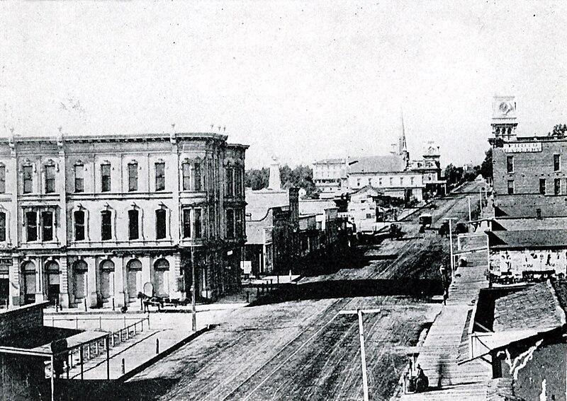 Sant Barbara - State Street 1880s.jpg