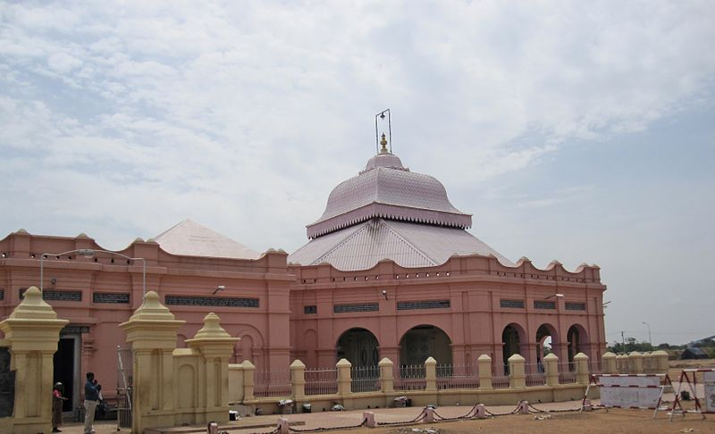 This image has an empty alt attribute; its file name is 800px-Sathya_gnana_sabha%2C_vadalur_1.jpg