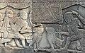 Scène de combat danimaux (bas-relief du Bayon) (2335322682).jpg
