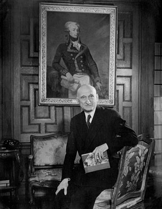 Robert Schuman - Schuman at the French embassy in Washington, after the signature of the treaty that created NATO, in April 1949.