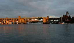 Seattle Univ Bridge 03A.jpg