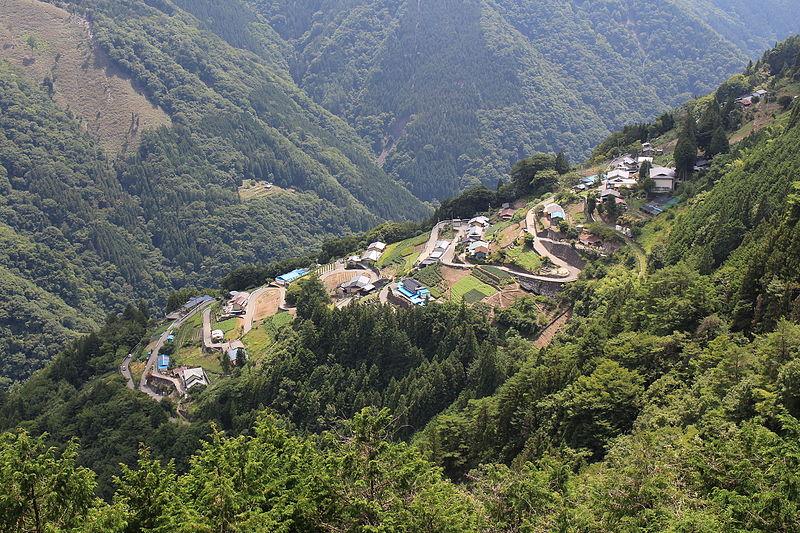 日本のチロル、遠山峡「下栗の里」