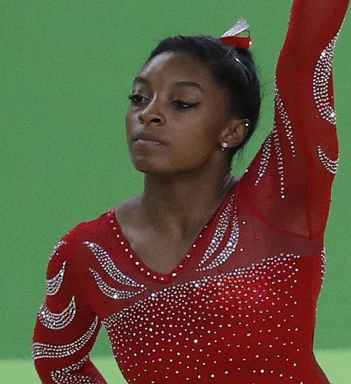 Simone Biles na Rio 2016 cropped