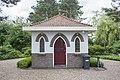 Sint Maartensbrug - Materiaalhuis op het kerkhof (voorzijde).jpg