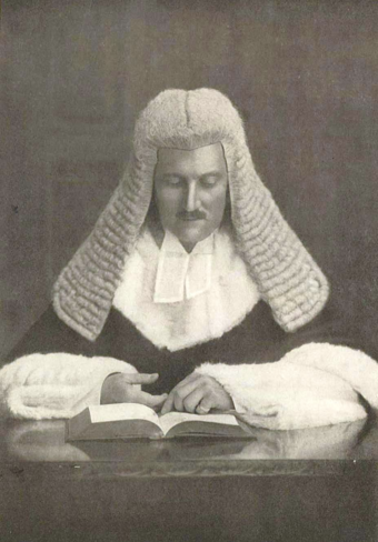 Sir Philip Street, 1st Chief Justice of the family SirPhillipStreetHermes.png