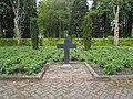 Sleen monument algemene begraafplaats 1.JPG