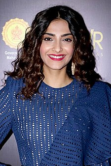 Sonam Kapoor at Jio Mami Mumbai film festival's word to screen market (06) (cropped).jpg