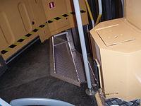 Trapperne inde i vognen var indrettede med lysdioder så man ikke skulle snuble da man gik ombord da det var mørkt ude.