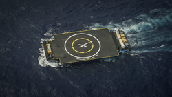 SpaceX ASDS moving into position for CRS-7 launch (18610429514).png