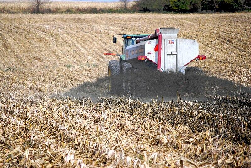 Spreading liquid manure