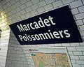 Station Marcadet Poissonniers Ligne 4 - Plaque 26-03-05.jpg