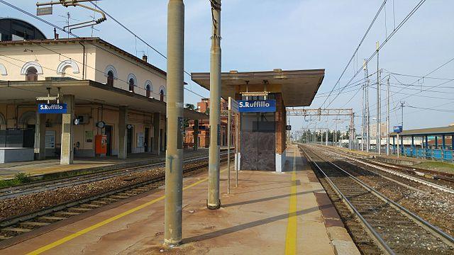 Stazione di bologna san ruffillo stazione ferroviaria for Bologna hotel stazione centrale