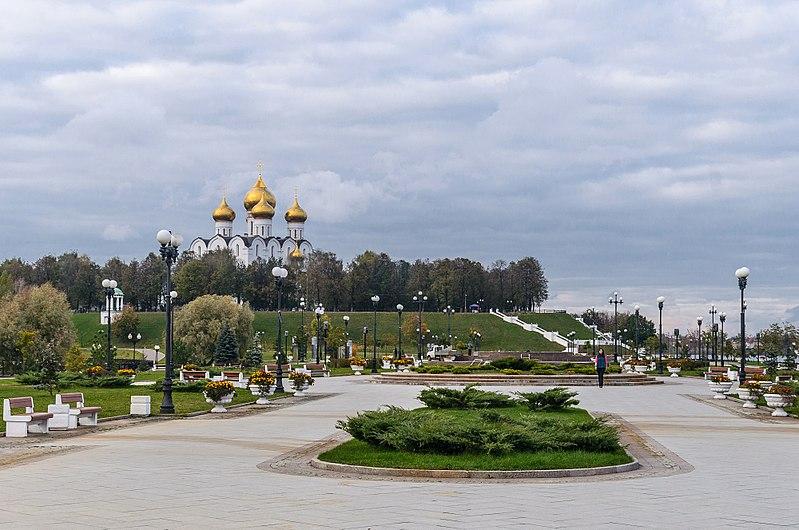 File:Strelka of Yaroslavl 03.jpg