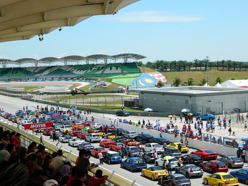 Super GT 2012 @ Sepang Circuit - panoramio.jpg