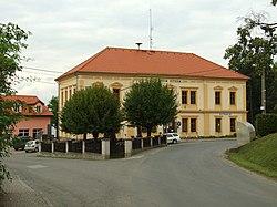 Svinaře, škola.JPG
