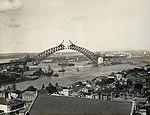 Sydney Harbour Bridge under construction (2742077871).jpg