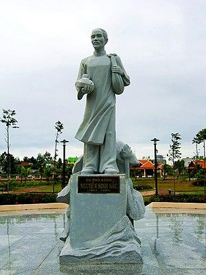 Nguyễn Sinh Sắc - Statue of Nguyễn Sinh Sắc
