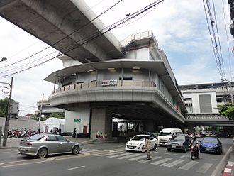 Tao Poon MRT station - Tao Poon station