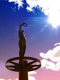 The Astronomer statue at Questacon (453725975).jpg