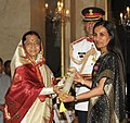The President, Smt. Pratibha Devisingh Patil presenting the Padma Bhushan Award to Smt. Chanda Kochhar, at an Investiture Ceremony II, at Rashtrapati Bhavan, in New Delhi on April 01, 2011.jpg