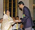 The President, Smt. Pratibha Patil presenting the Rajiv Gandhi Khel Ratna Award -2006 to Shri Manavjit Singh Sandhu at a glittering function, in New Delhi on August 29, 2007.jpg