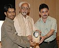 """The Vice President of India Shri M. Hamid Ansari released a book on Naushad titled """"Zarra Zo Aftab Bana"""", authored by Chaudhury Zia Imam, in New Delhi on May 26, 2008.jpg"""