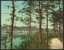 The lake at Georgian Court, Lakewood, N.J-LCCN2008679541.jpg