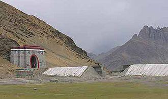 Qinghai–Tibet railway - Liuwu tunnel (柳梧隧道), near Lhasa station.