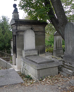 Charles Messier - Messier's grave in Père Lachaise, Section 11