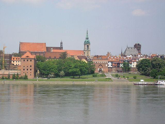 http://upload.wikimedia.org/wikipedia/commons/thumb/1/12/Torun_Stare_Miasto.JPG/640px-Torun_Stare_Miasto.JPG