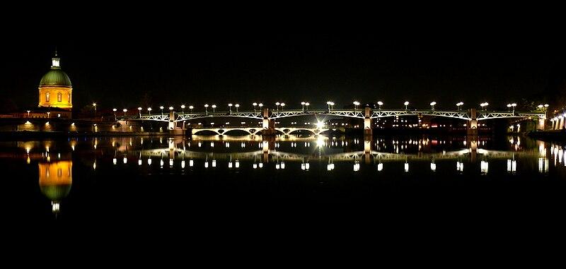Toulouse - Pont Saint-Pierre et Hôpital de La Grave.jpg