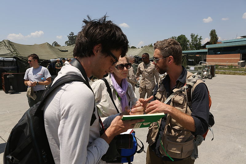 File:U.S. Marine Ospreys transport Nepalese military, survey earthquake damage 150505-M-ES508-046.jpg