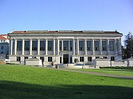 Doe Memorial Library