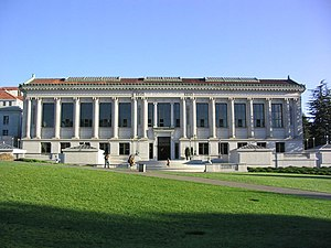 University of California, Berkeley Libraries - The north side of Doe Library with Memorial Glade in the foreground