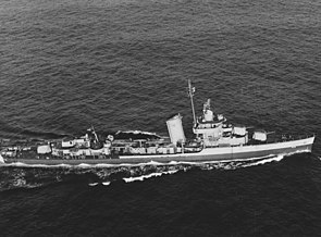 USS Wainwright (DD-419) underway in the Atlantic Ocean on 5 May 1944.jpg