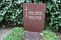 Ulrich Härter, Friedhof Heerstraße - Mutter Erde fec.JPG