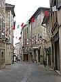 Une rue dans Auch (Gers, France).jpg