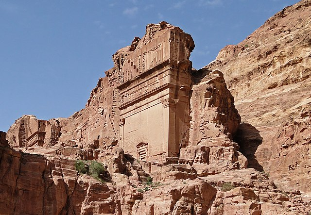 640px-Uneishu_Tomb%2C_Petra - Tomb designs - Lifestyle, Culture and Arts